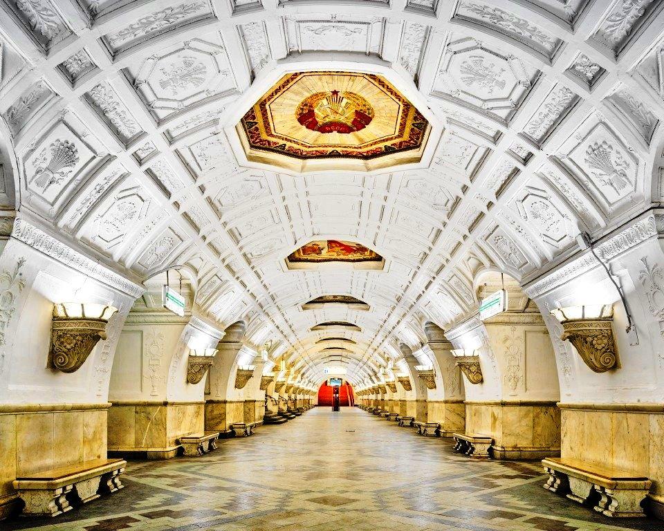 モスクワ12